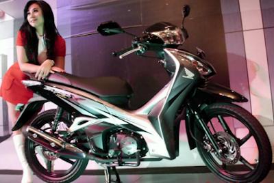 Honda Supra X dan Model Cantik