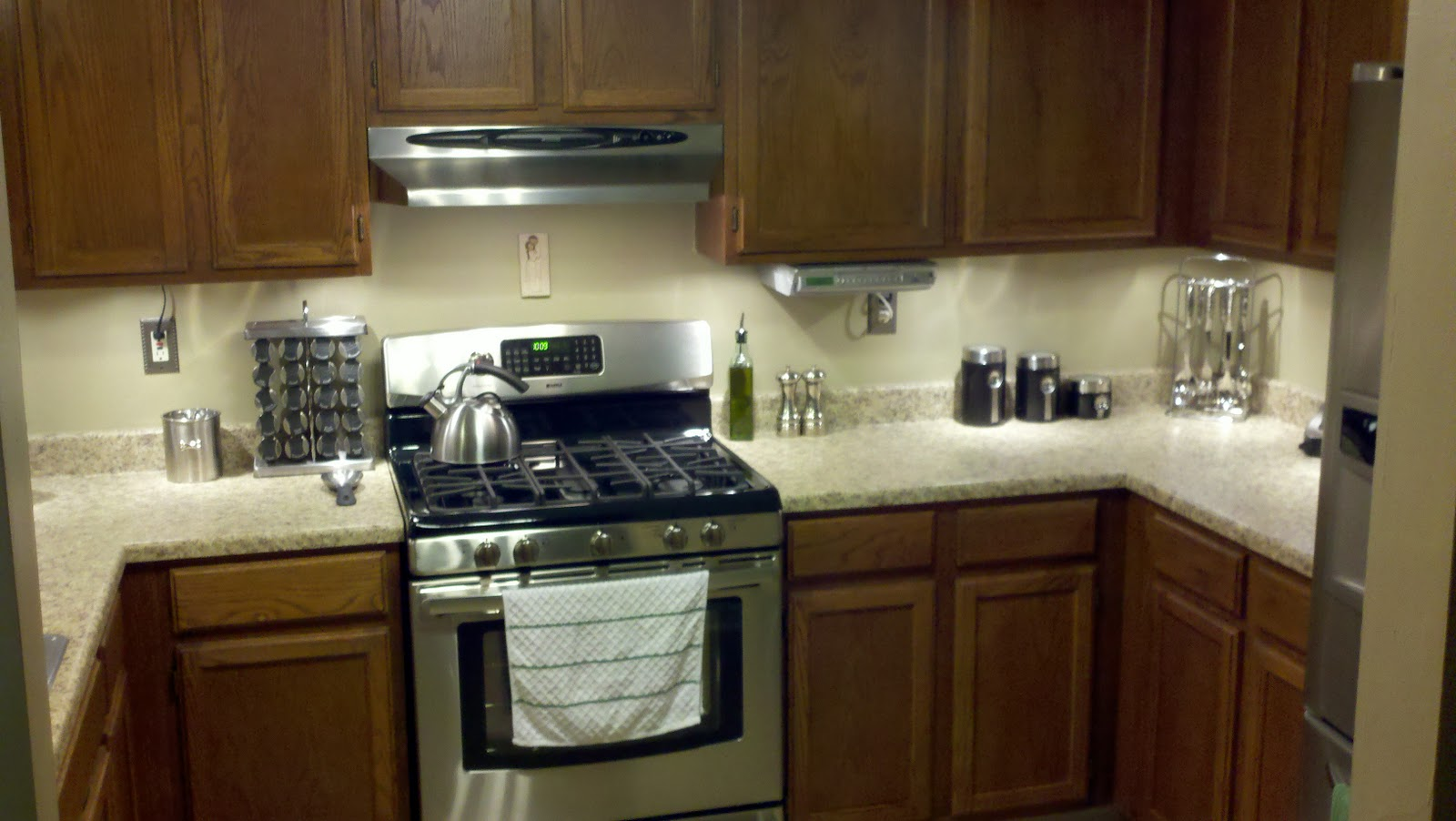 Barnhouse1128 another way to update kitchen cabinets for Kitchen cabinets upgrade