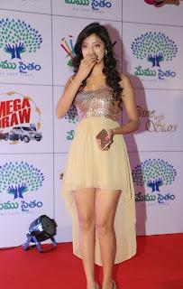 Actress Richa Panai Latest  Pictures at Memu Saitam Dinner with Stars Red Carpet  21.jpg