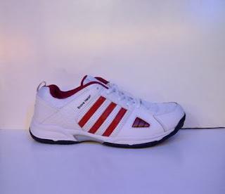 sepatu adidas tennis merah