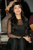 Shruti Haasan at Yevadu App Launch event-thumbnail-17