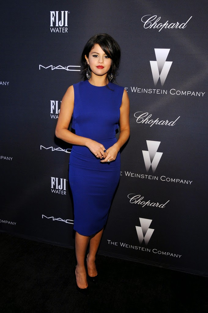 Selena Gomez debuts shorter hair at the Weinstein Company's Academy Awards Nominees Dinner in LA