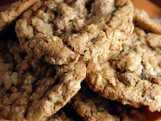 Whole Wheat and Oat Chocolate Chip Cookies