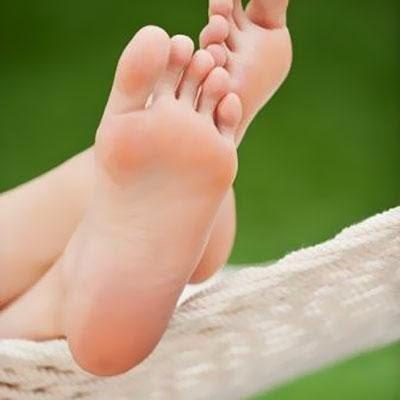 cara mengatasi bau kaki