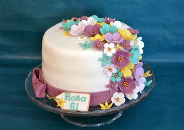 Tarta personalizada cascada de flores colores sugar dreams gandia