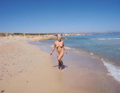 нудисты, нудистский пляж, фото нудистов, Майорка, нудист фото