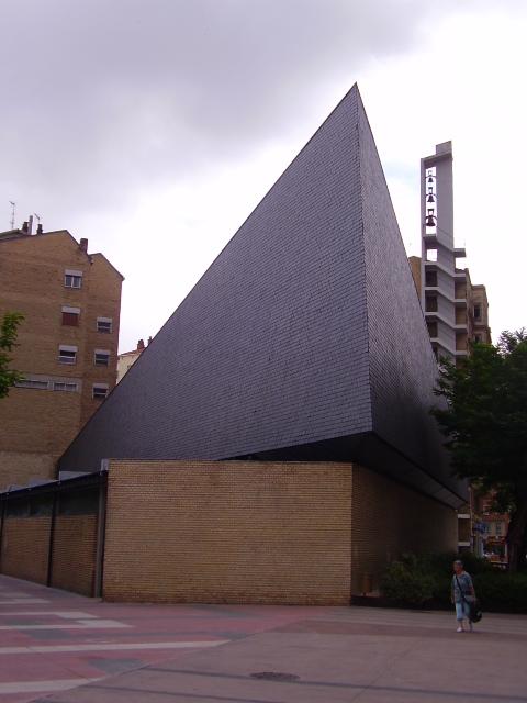 Conadios javier carvajal ferrer architecture tallermuse meneghino oficinas - Arquitectos en vitoria ...