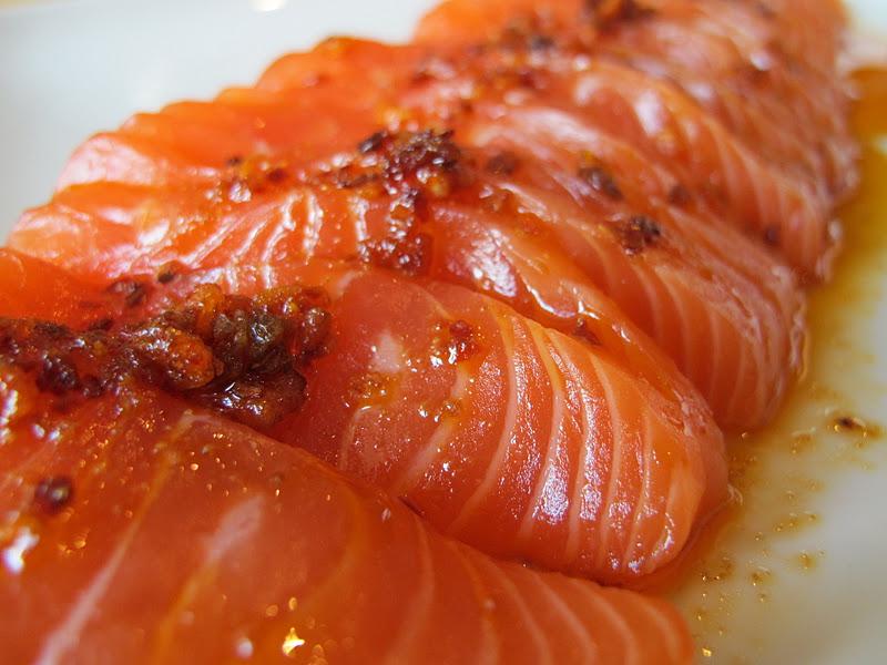 Morsels and musings salmon sashimi w chilli sesame oil for Sashimi dressing