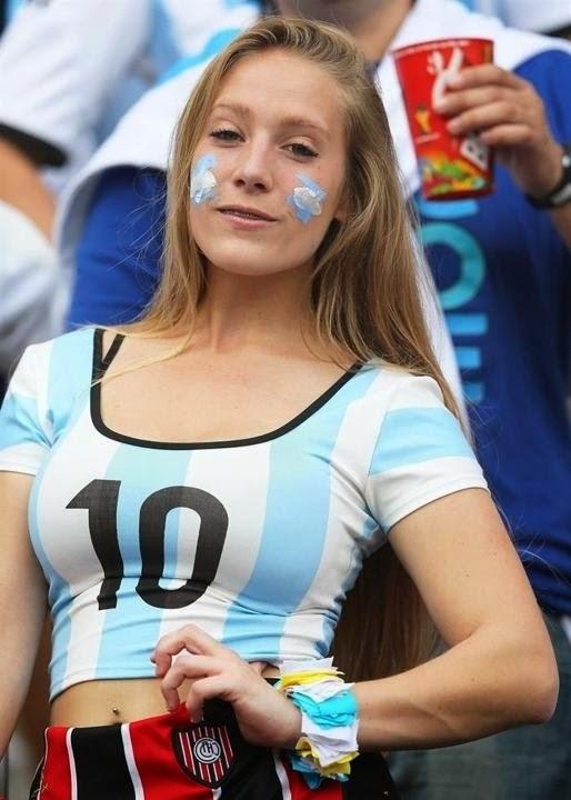Mujer rubia argentina desnuda foto 88