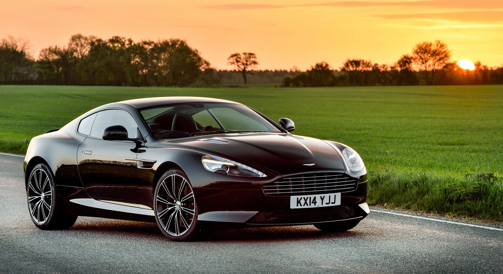 high wheels 2015 aston martin db9 carbon edition. Black Bedroom Furniture Sets. Home Design Ideas