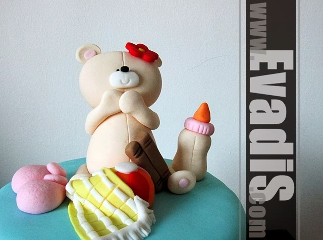 2 tiers cake design with Teddy Bear