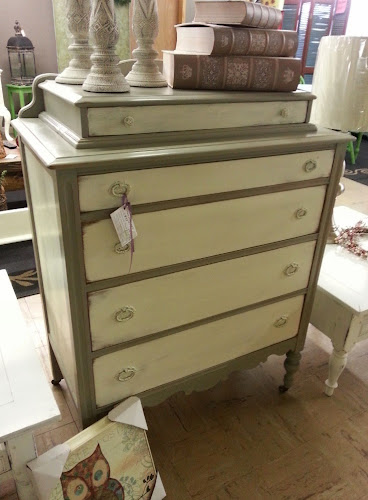 antique white chalk paintDesk painted with Old White Chalk Paint Decorative Paint by Annie