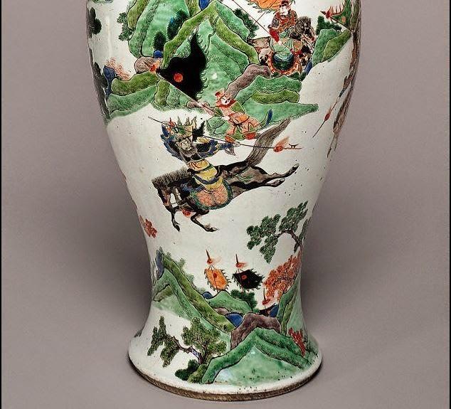 Famille Verte Kangxi Warrior vase Detail