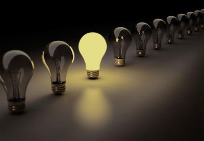 وجدتها-فكرة-إضاءة-لمبة-إضاءة-شمعة-لعن-الظلام-مصباح