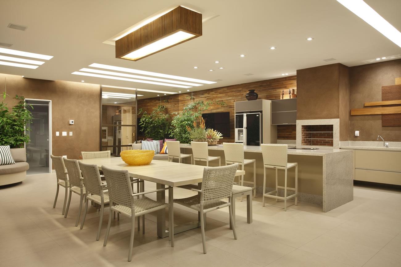 Fachada casa moderna area churrasco decor salteado 1 for Casa moderna