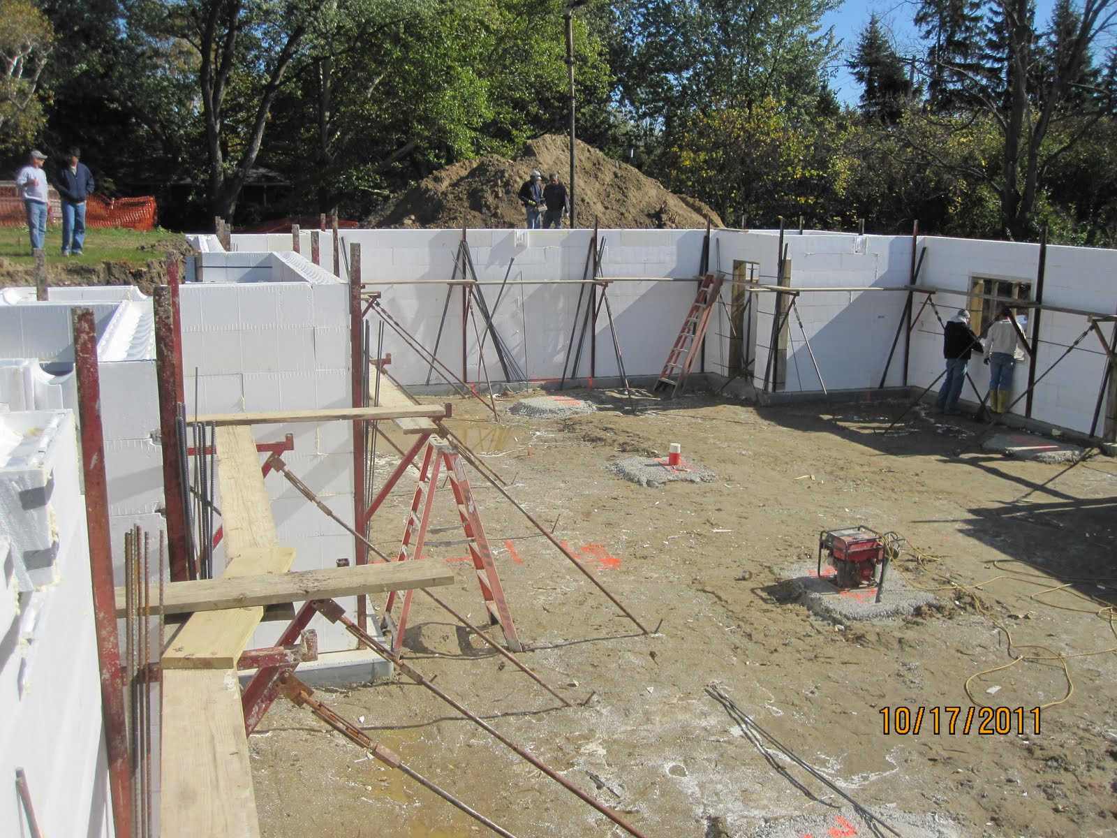 Energy Efficient Building Network Placing Concrete In Icf