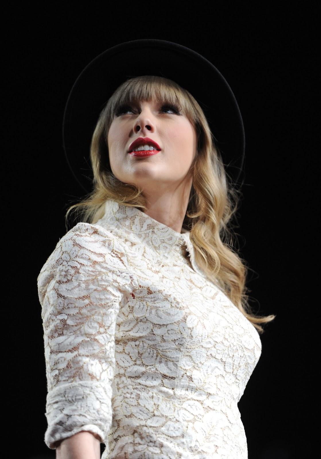 http://3.bp.blogspot.com/-MF09NxS6RJw/UVUQHFvBQPI/AAAAAAAAKF0/ih6-CLW6aQA/s1600/Taylor+Swift.jpg