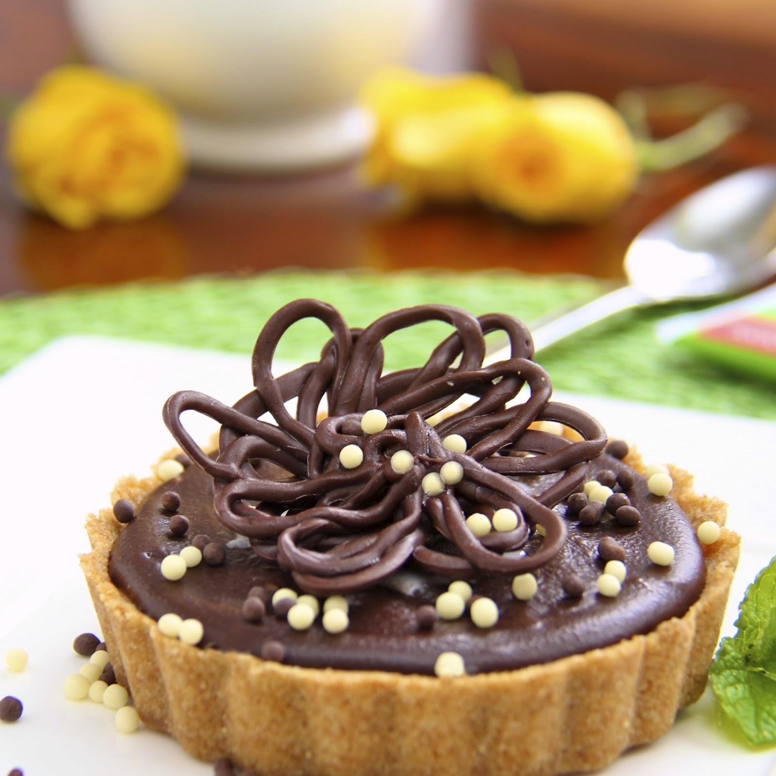: Peanut Butter Tart with Shortbread Crust & Chocolate Ganache Glaze ...