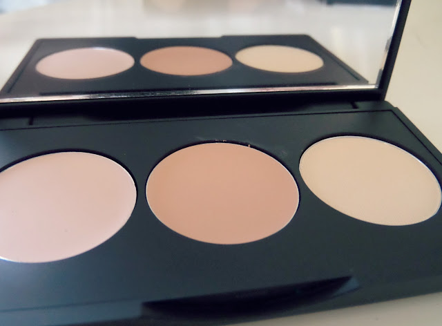 Sleek Corrector and Concealer Palette Close