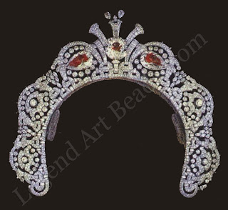 The large pear-shaped diamonds in the tiara once worn by Loelia, Duchess of Westminster are the Arcots, two of the five originally presented to Queen Charlotte by the Nawab of Arcot.
