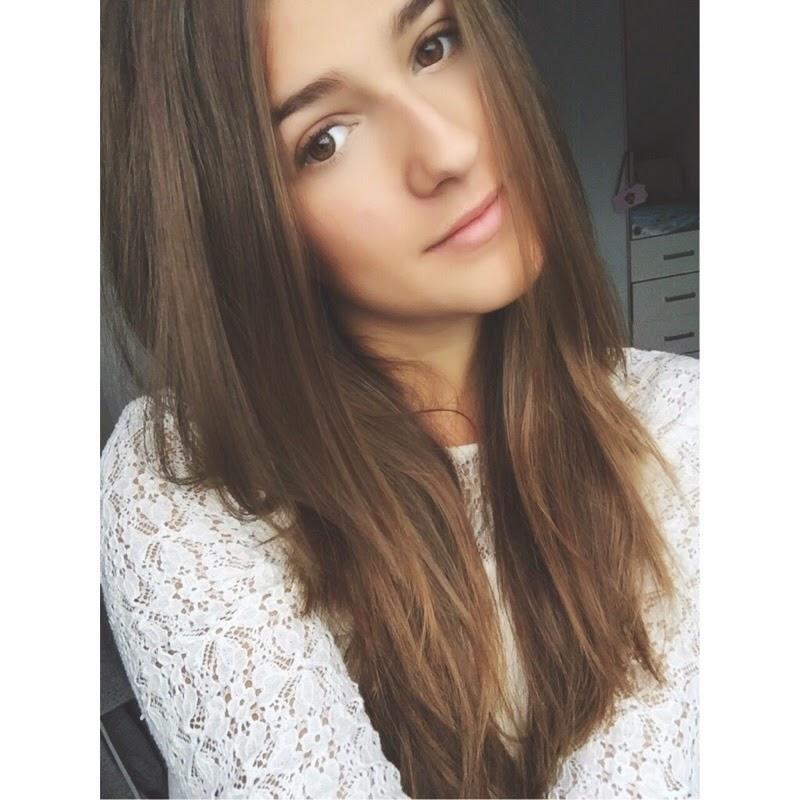 Hi, Ich bin Stephanie, 19 Jahre alt & wohne in Deutschland/NRW. Viel Spaß beim Lesen ;P