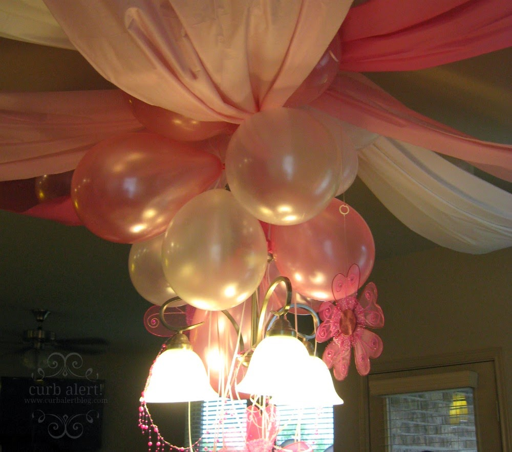 Tea Party Decorating Ideas for Little Girls via Curb Alert! Blog http://www.curbalertblog.com/2014/03/tea-party-ideas-for-little-girls.html