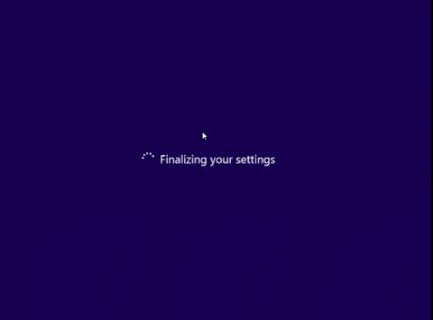 Windows 8 akan mulai mengkonfigurasi pengaturan awal yang sudah anda buat.