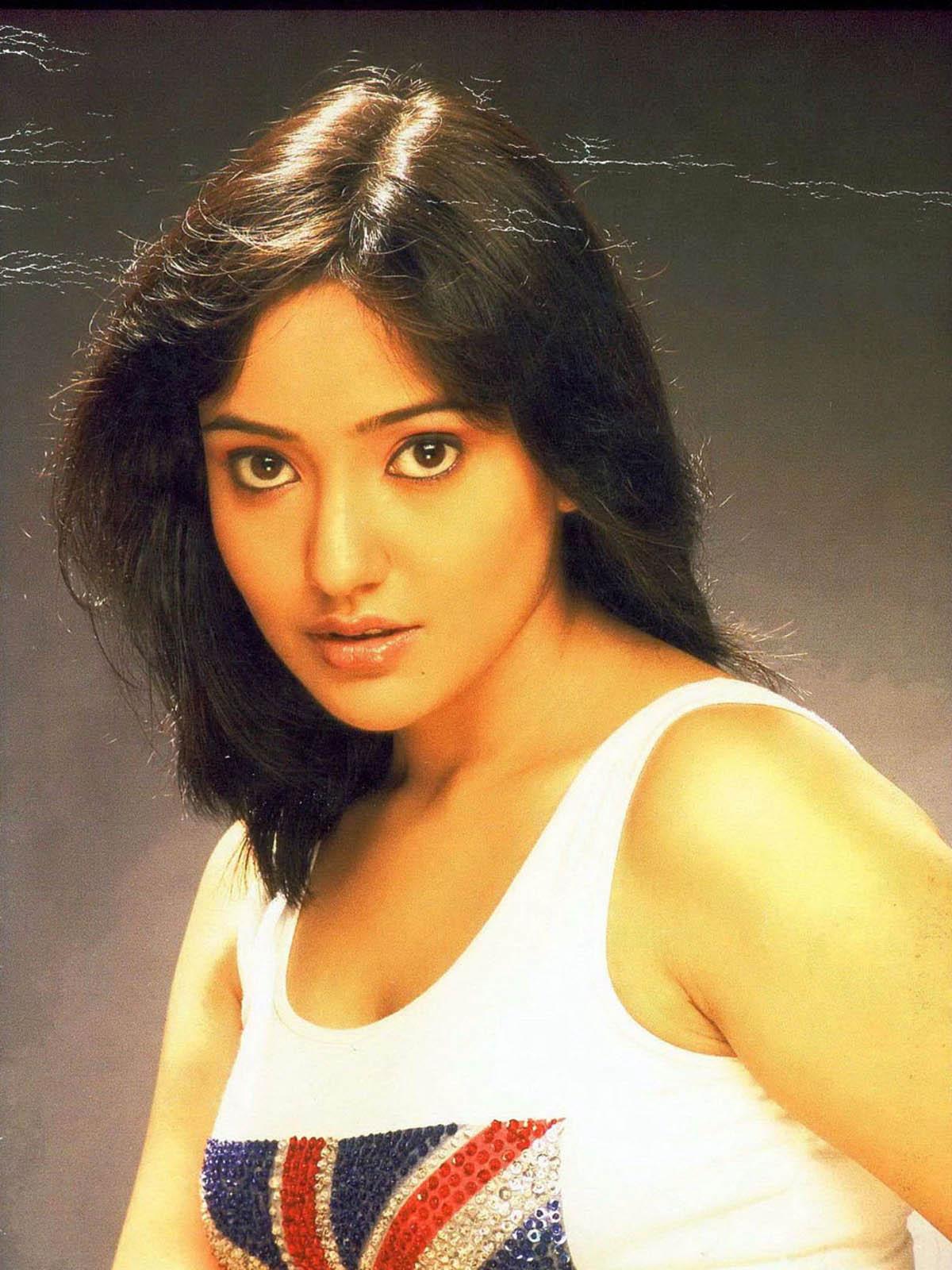 Neha Sharma Hot Movie Hub: Neha Sharma...