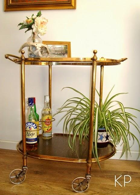 Tienda de muebles vintage online. Carritos minibar, camareras antiguas doradas