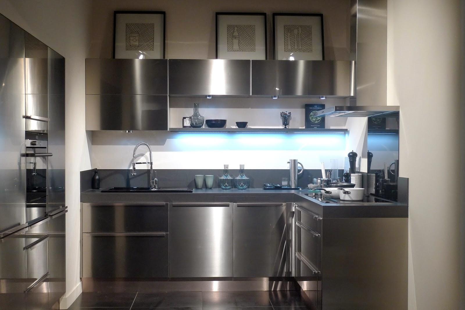 latest lapeyre et frdric anton with cuisine aubergine lapeyre. Black Bedroom Furniture Sets. Home Design Ideas