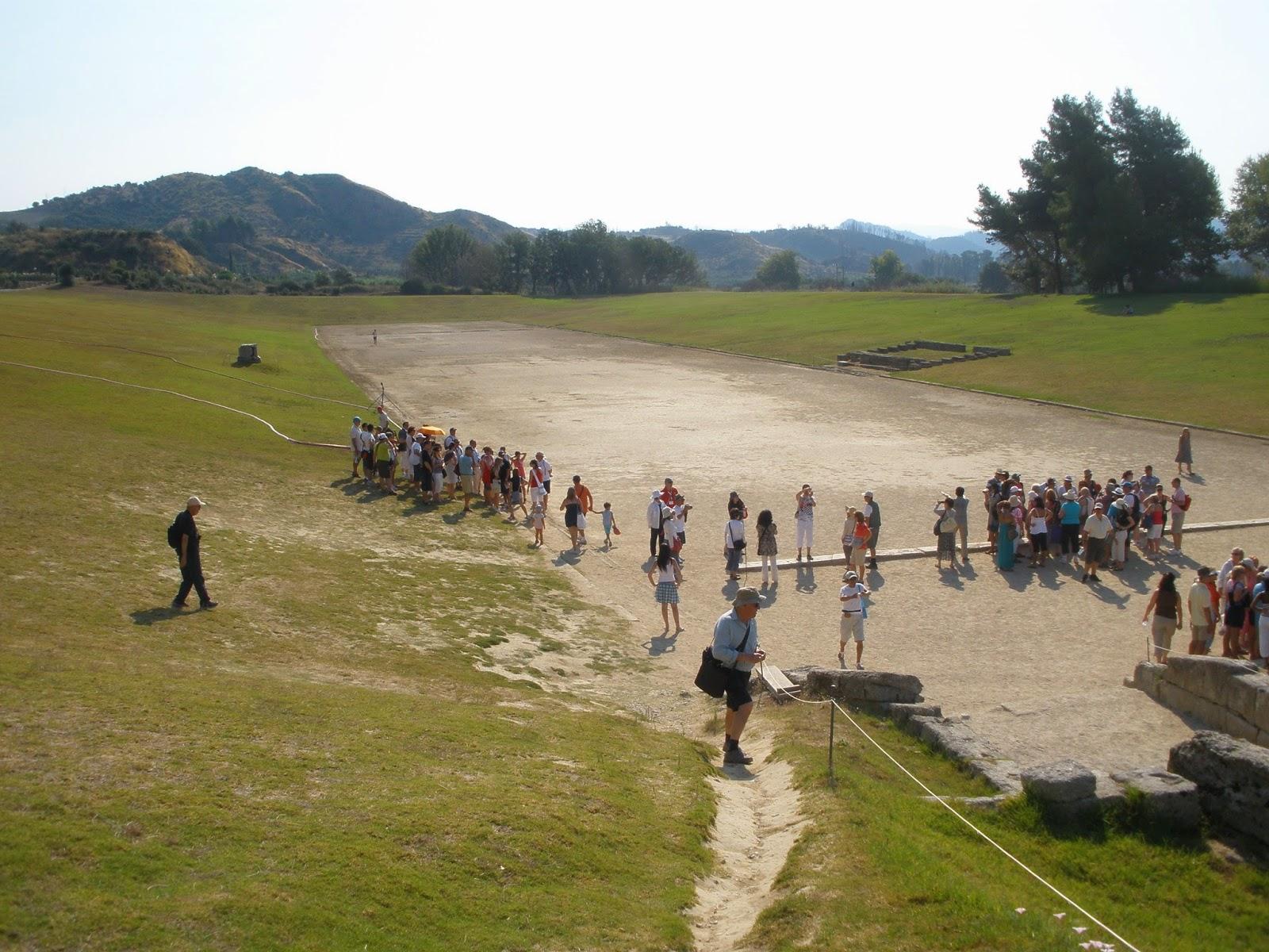 Ruinas Estadio Olímpico de Olimpia, donde se celebraron los primeros Juegos Olímpicos de la historia.