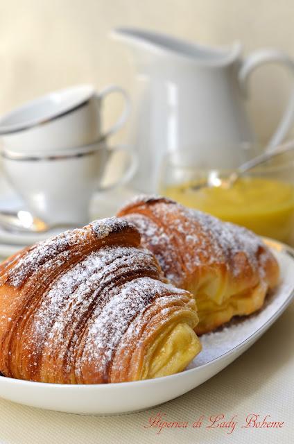 hiperica_lady_boheme_blog_di_cucina_ricette_gustose_facili_veloci_dolci_da_dessert_croissant_sfogliato_alla_crema_2