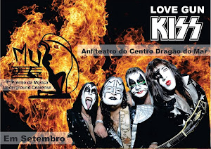LOVE GUN KISS