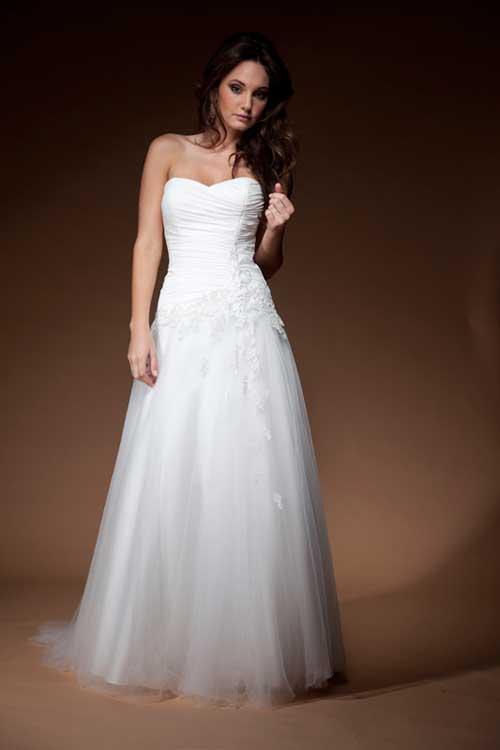 The bride 39 s diary brisbane june 2011 for Jessica designs international wedding dresses