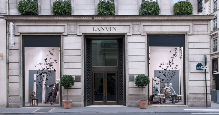 the style examiner lanvin store windows on rue du faubourg saint honor paris. Black Bedroom Furniture Sets. Home Design Ideas