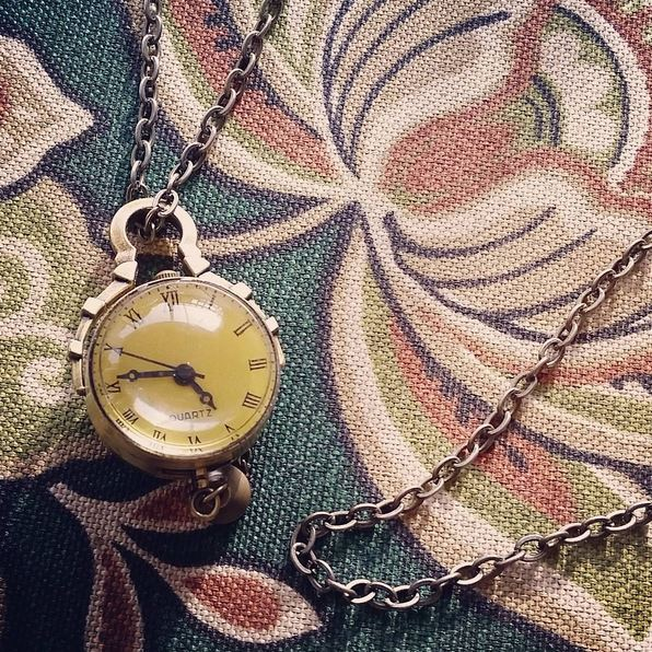 clock, necklace, clock necklace, close up, time,