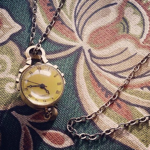 clock, necklace, clock necklace, close up, time,