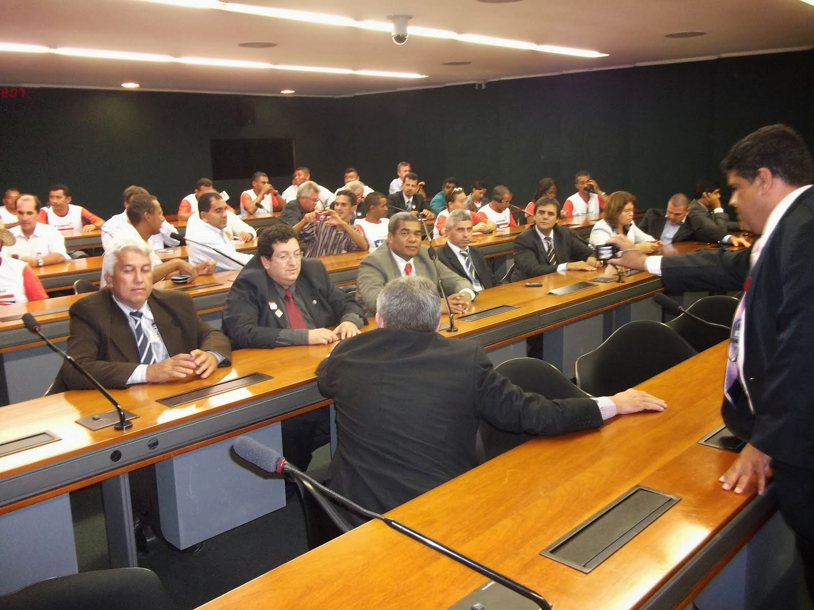 na câmara dos deputados plenário 14