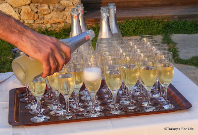 Wedding Champagne At The Sundial Hotel