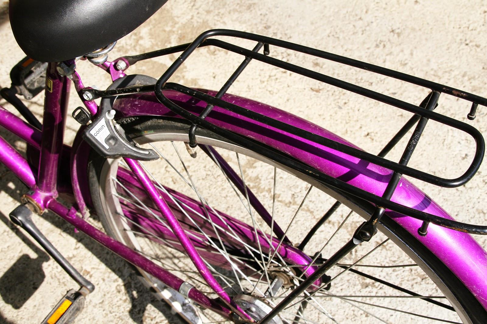 自転車荷台の画像