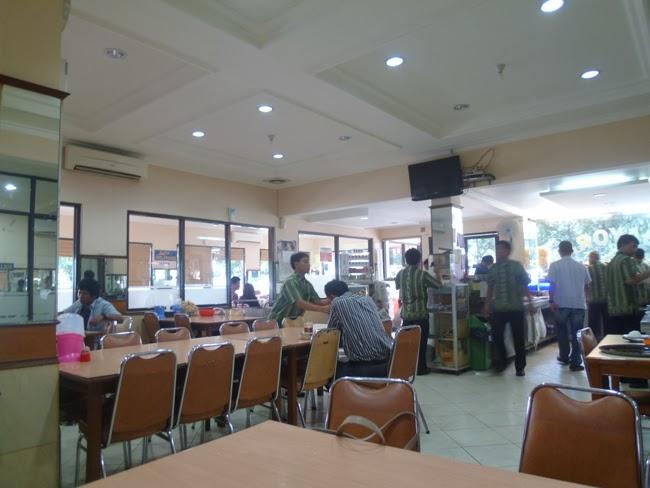 La sala del restaurante Padang