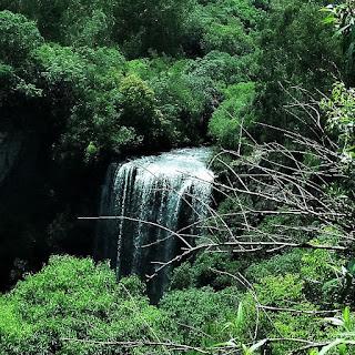 Vista da cabeceira da Cascata dos Molin, em Ana Rech, Caxias do Sul. Vista de parte do rio.