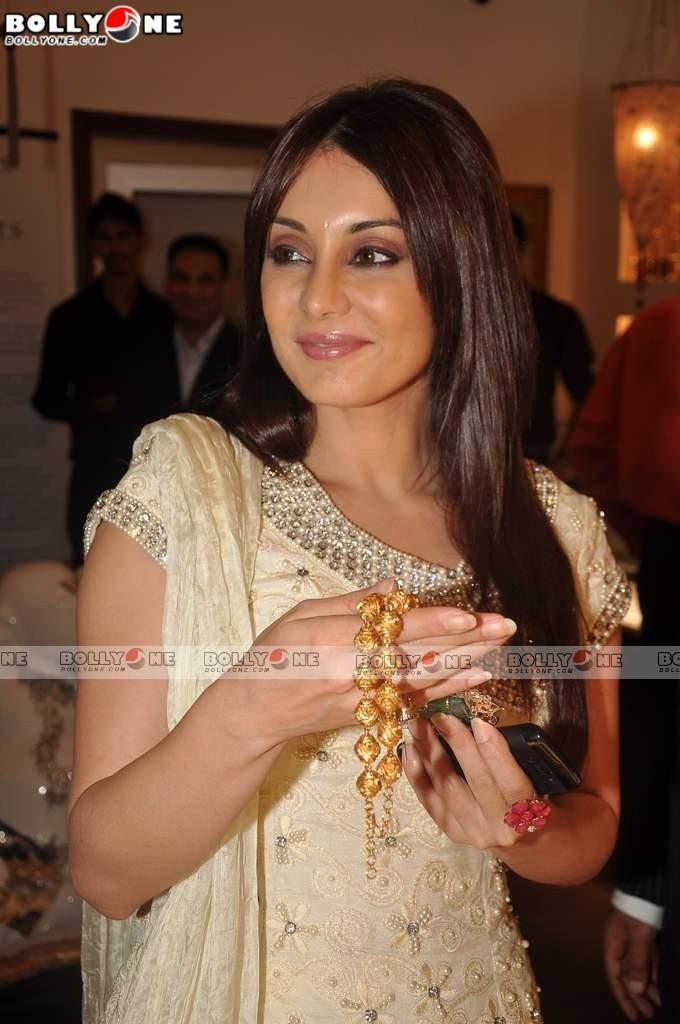 , Sweet Minissha Lamba At Anmol Jewelers Promotional Event