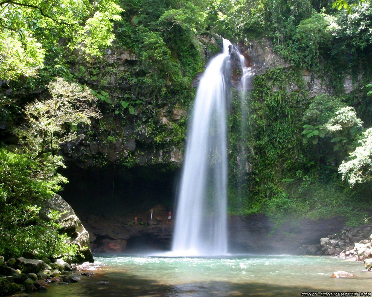 http://3.bp.blogspot.com/-MGrSDJejc3k/UEdJK3GVrfI/AAAAAAAAGL0/0f-SrYk-TUo/s1600/Beauty+Lowe+Rbouma+Waterfall.jpg