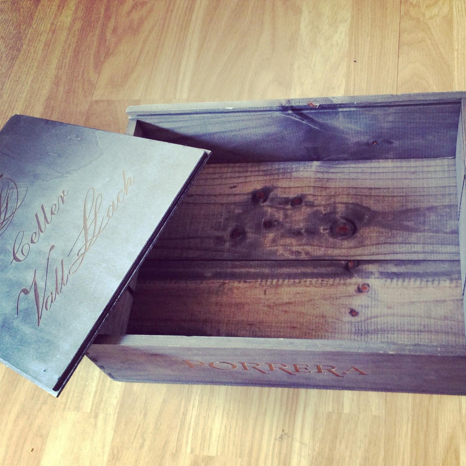 Decora con cajas de madera rojosill n - Decorar con cajas de vino de madera ...