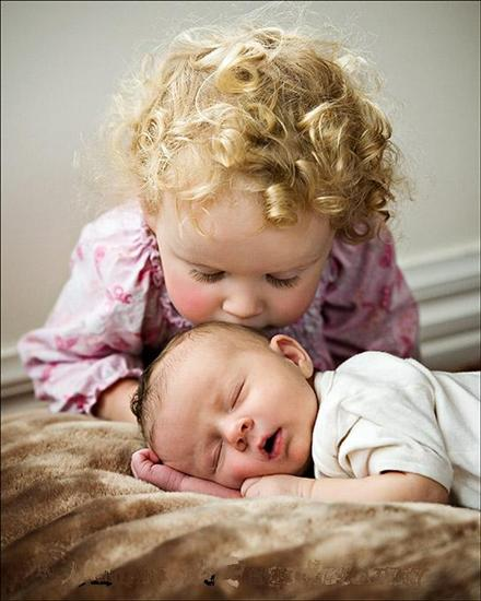 Kissing Wallpaper: Cute Baby Kiss Pictures And Images