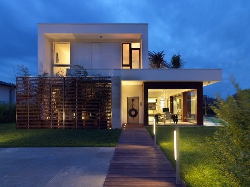 Modern italian design house duilio damilano modern house for Modern tropical house design