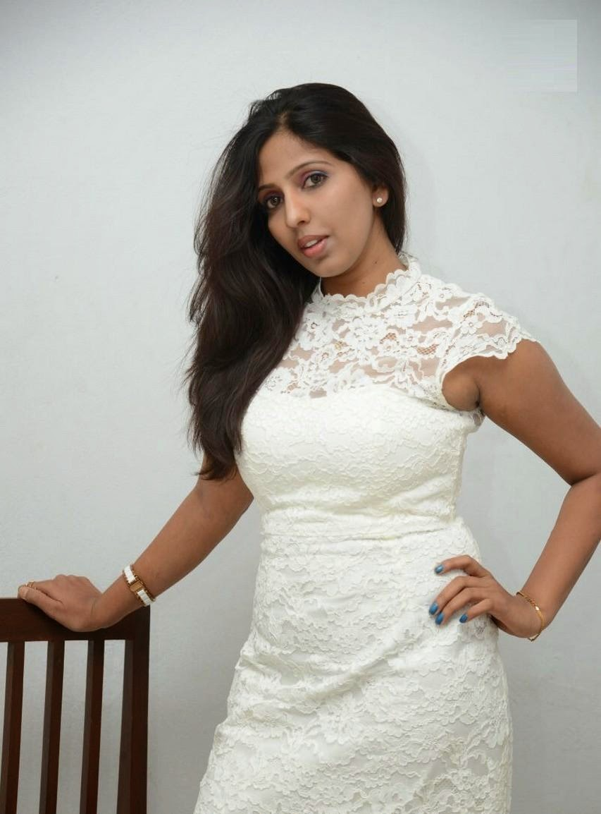 Roshini reddy hot photos