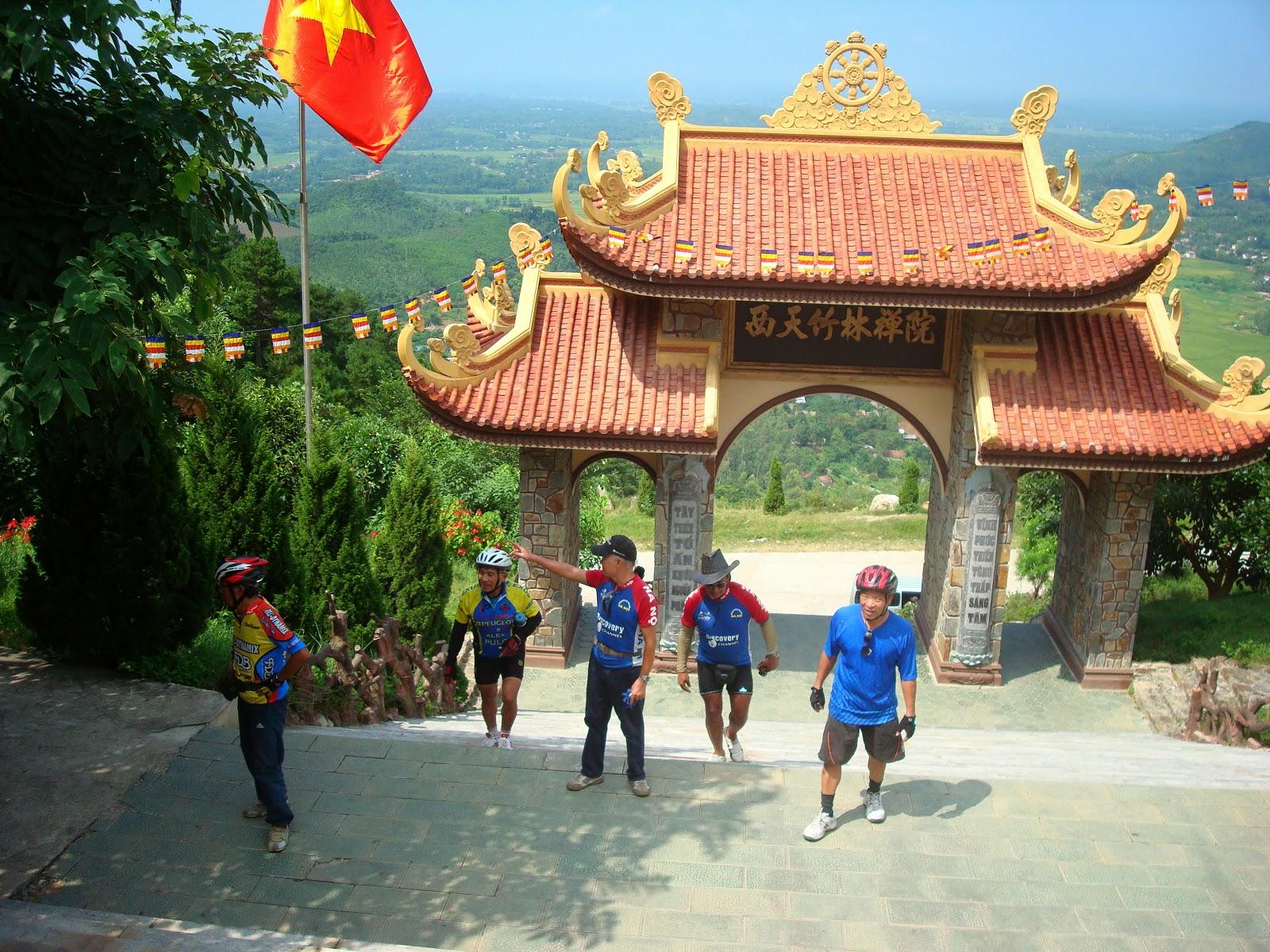 Cho thuê xe đi Tam Đảo thiền viện trúc lâm Tây Thiên 2