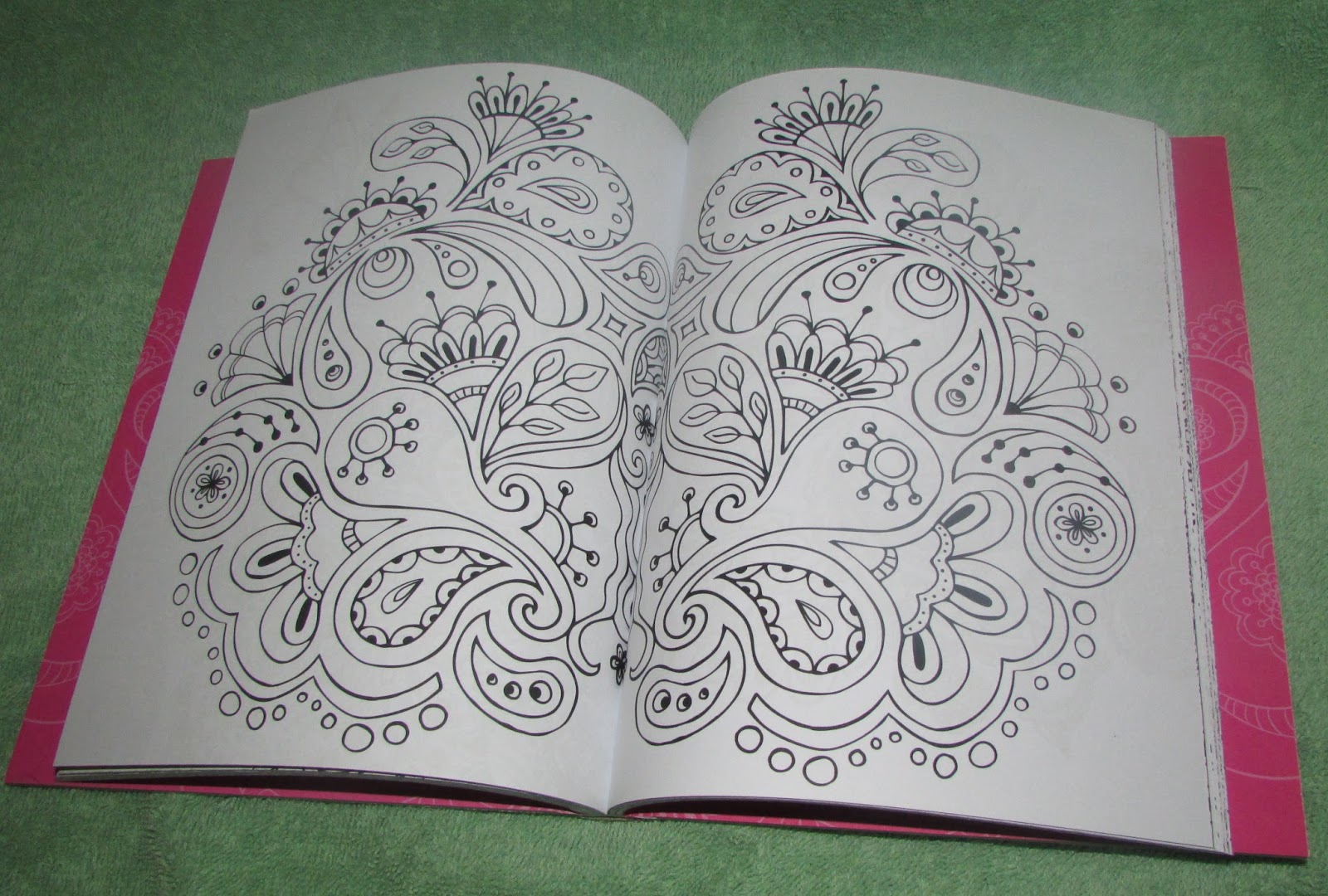 I Was Given The Opportunity To Review One Of Skyhorse Publishings Portable Coloring Books Four Volumes Available Received Calming Patterns